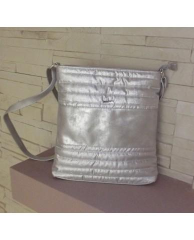 VIA55 táska (ezüst steppelt)